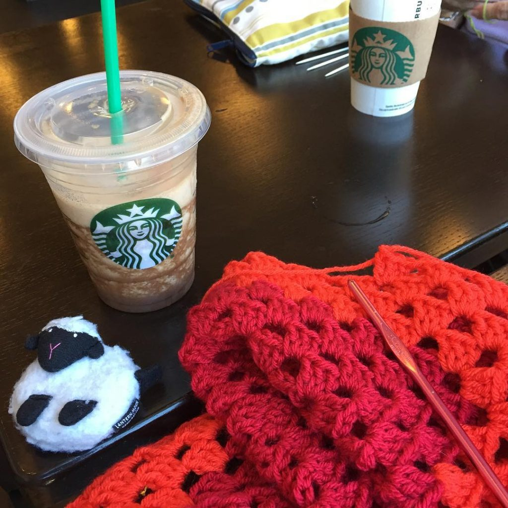 A little Starbucks with my crochet friends! grannysquareday2016 crochetersofinstagram ilovegrannysquares